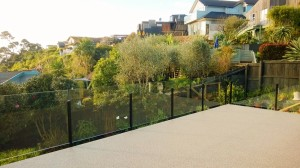 Weatherdek-Waterproofing-10mm-Glass-Balustrade-Garden