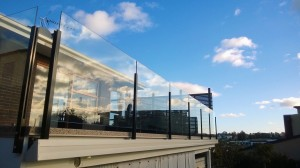 Weatherdek-Waterproofing-10mm-Glass-Balustrade